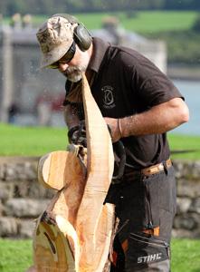 Duncan Kitson Chainsaw Sculptor